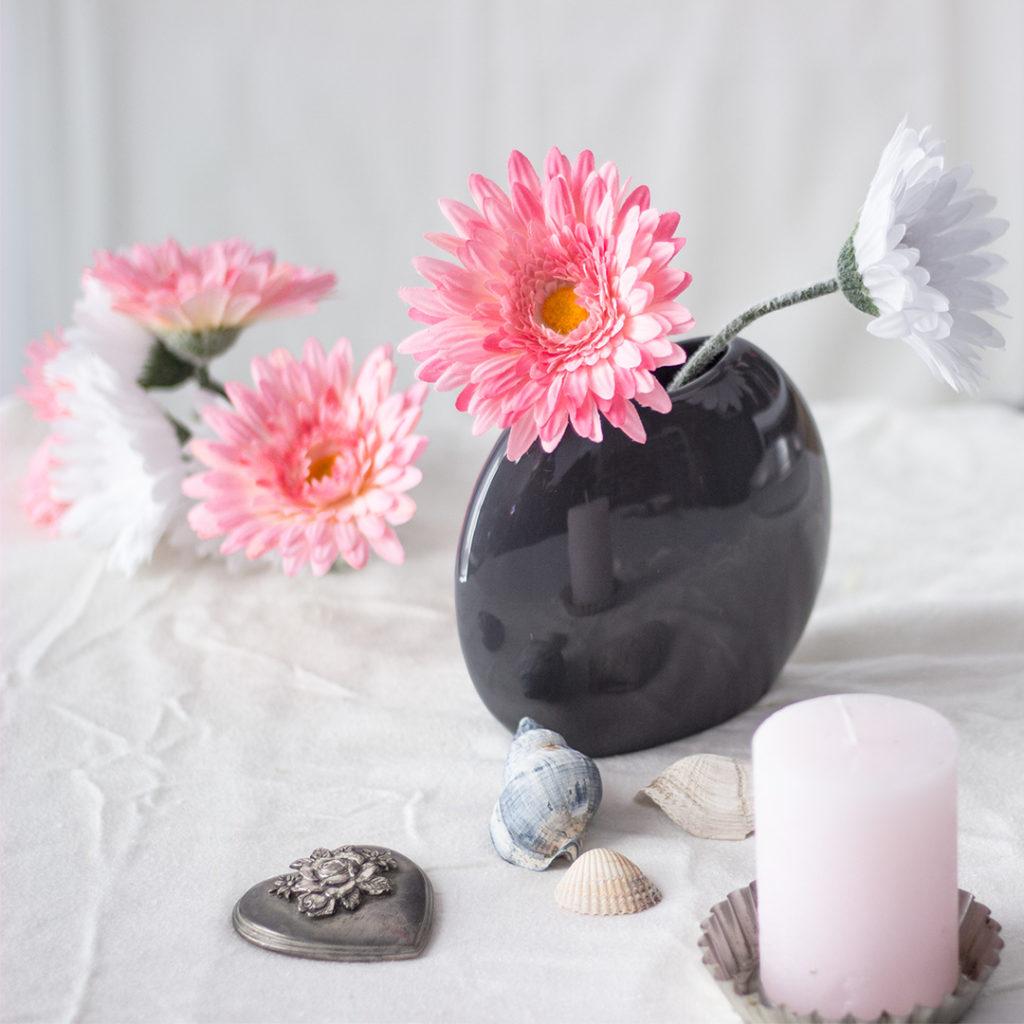 gerbera in vase artfleur blog