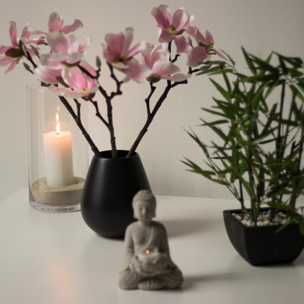 rosa-magnolie-buddha-quadratisch-carousel