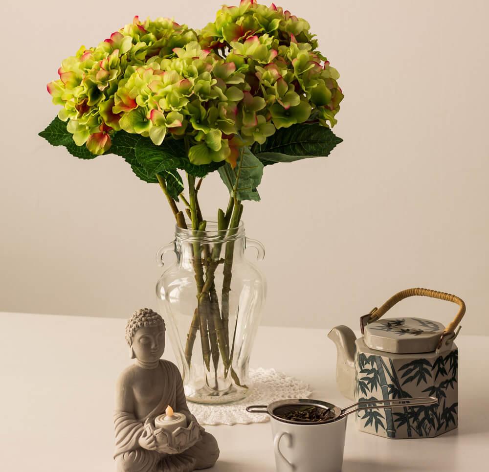 grüne-Hortensien-und-Tee