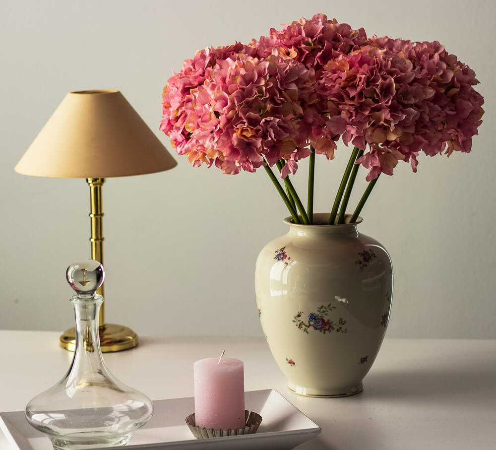 rosa-Hortensien-mit-Deko-carousel